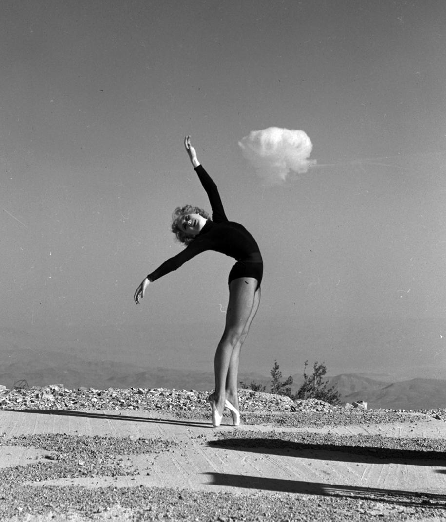 nuclear-tourism-1950s-atomic-bomb-las-vegas-13