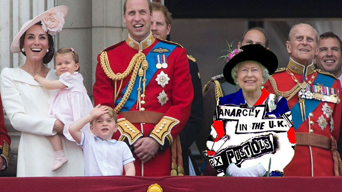 queen-elizabeth-green-screen-dress-funny-photoshop-battle-15
