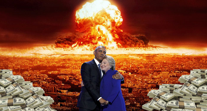 barack-obama-hillary-clinton-hug-photoshop-battle-4