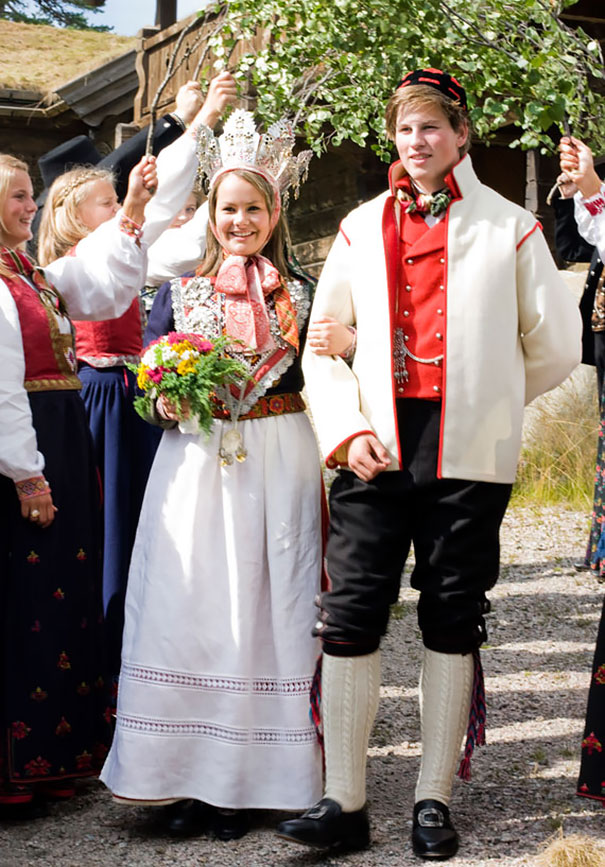 beautiful-different-traditional-wedding-dresses-around-the-world-6