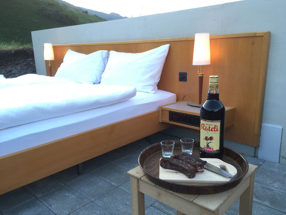 mountain-bed-suite-swiss-alps-null-stern-hotel-5