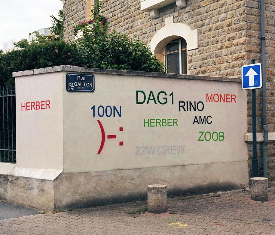 painting-over-graffiti-removing-tags-street-art-mathieu-tremblin-9