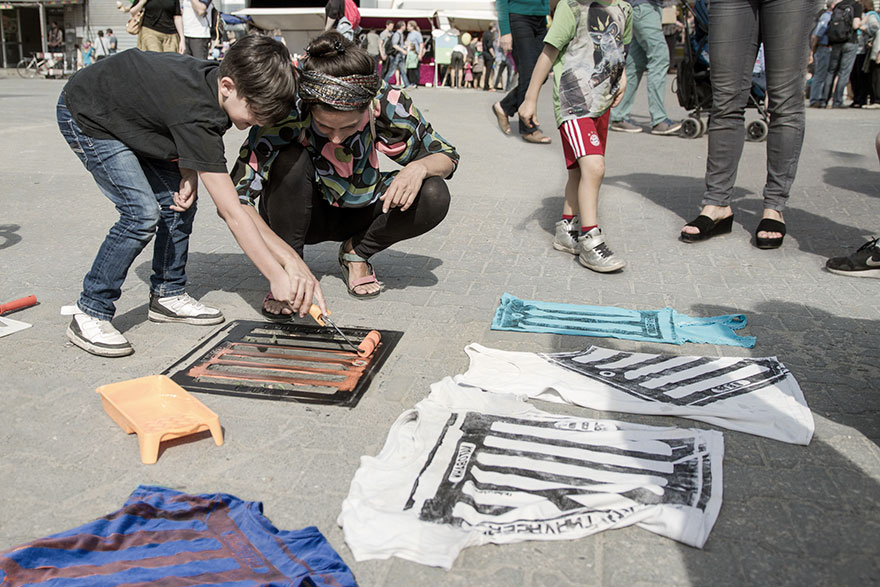 pirate-printers-manhole-cover-tshirt-paint-raubdruckerin-7