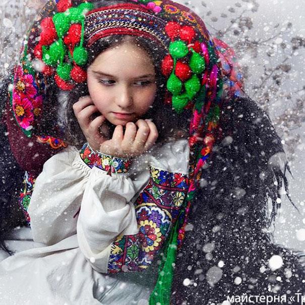 traditional-ukrainian-flower-crowns-treti-pivni-13