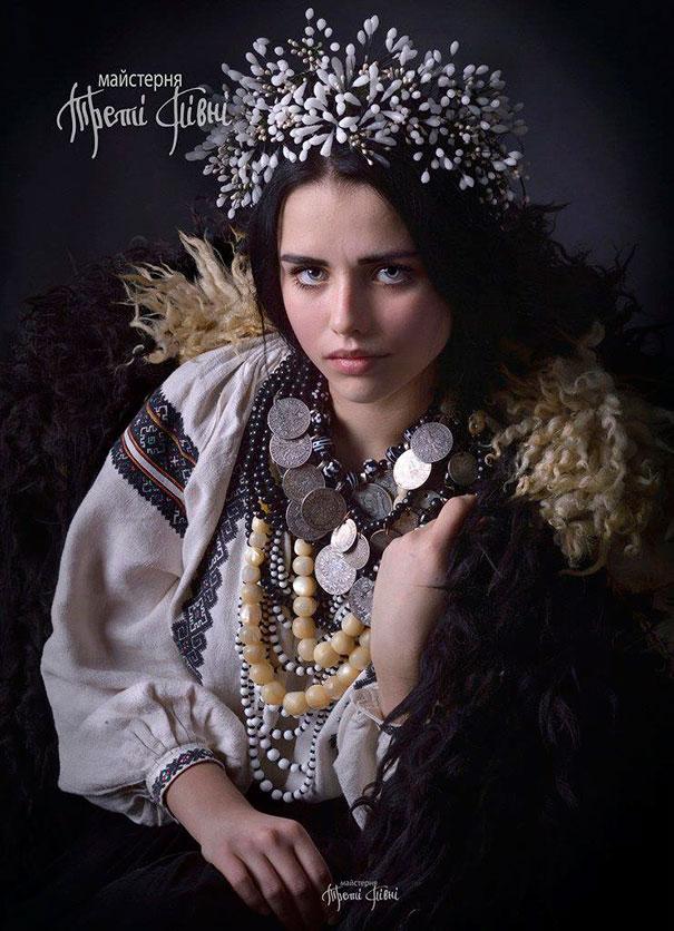 traditional-ukrainian-flower-crowns-treti-pivni-5
