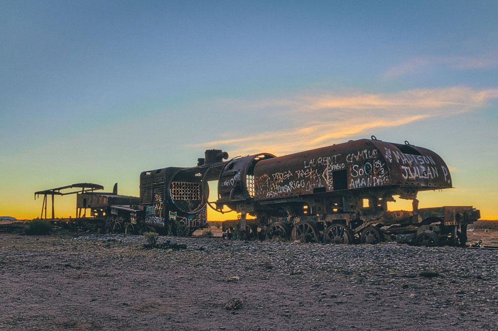train-graveyard-bolivia-chris-staring-12
