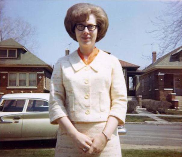vintage-hairstyles-big-hair-1960s-17