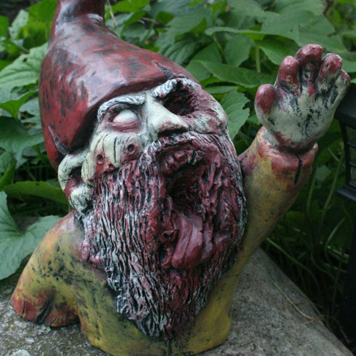 zombie-gnomes-scary-garden-decorations-revenant-fx-8