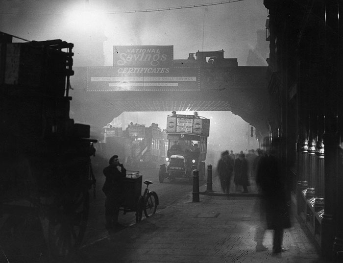 20th-century-london-fog-vintage-photography-18