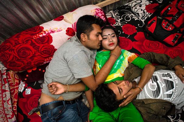 brothel-sandra-hoyn-kandapara-bangladesh-1