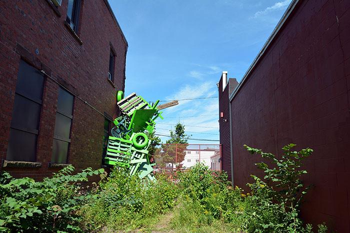colorful-trash-sculptures-overconsumption-canada-jose-luis-torres-46