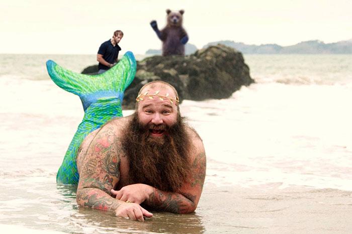 funny-photoshop-trolls-dudeoir-beach-collection-tami-10
