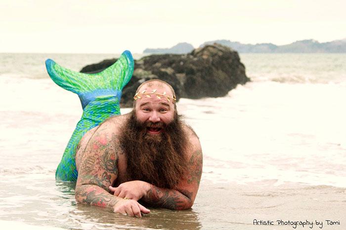 funny-photoshop-trolls-dudeoir-beach-collection-tami-5