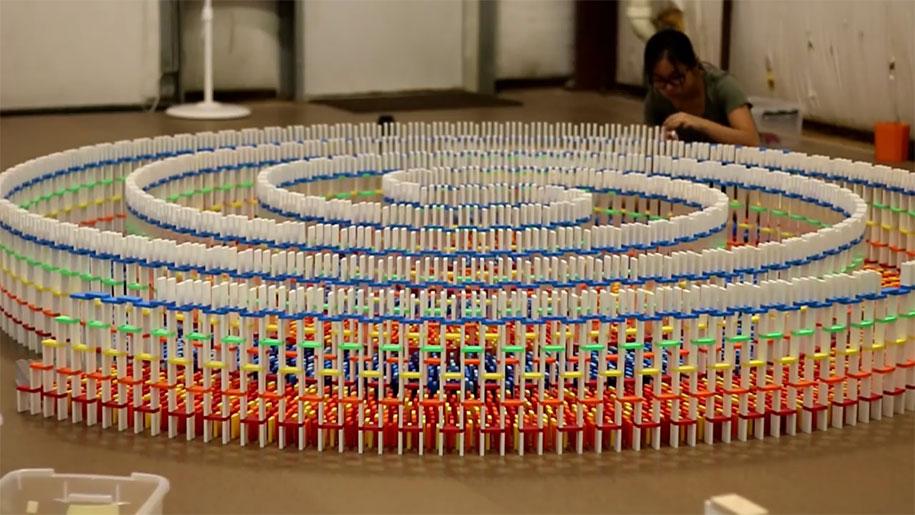 15000-domino-spiral-fall-havesh5-1