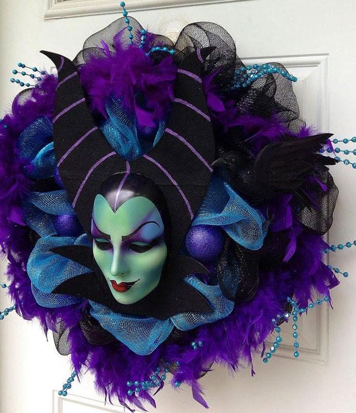 creepy-halloween-wreaths-13