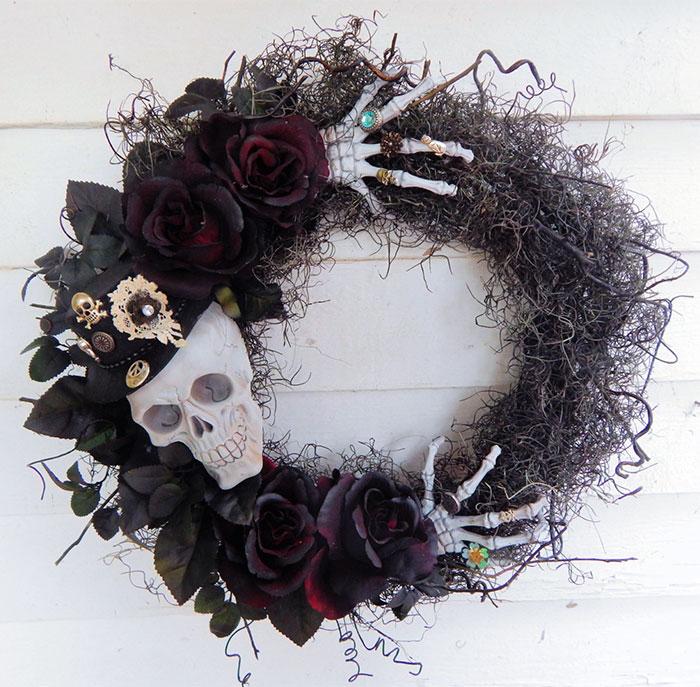 creepy-halloween-wreaths-2