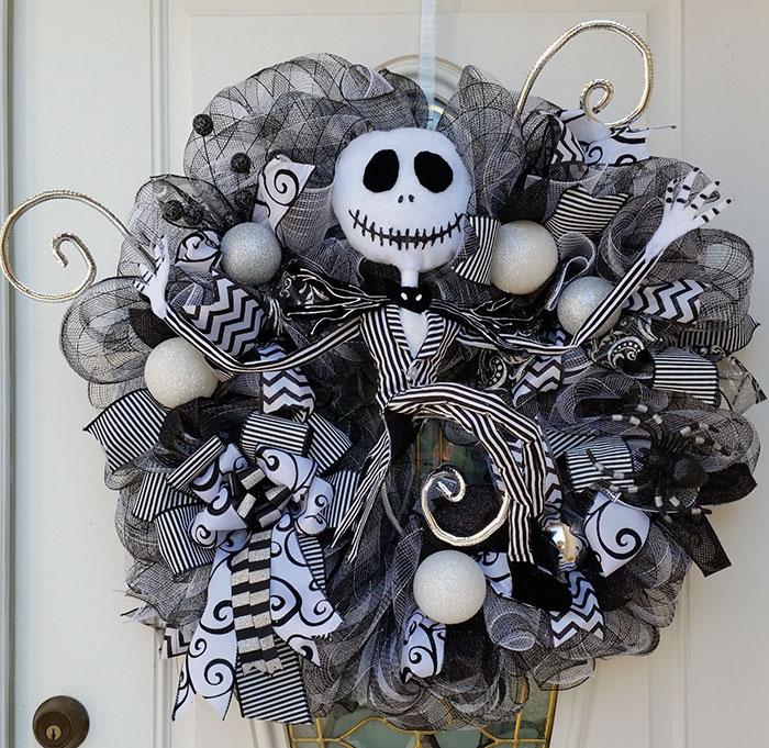 creepy-halloween-wreaths-5