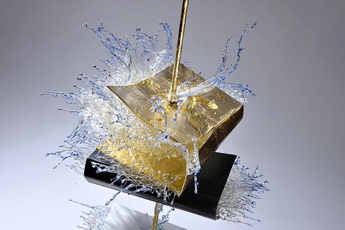 exploding-books-resin-glass-frozen-liquid-sculpture-liquidity-annalu-boerettos-30