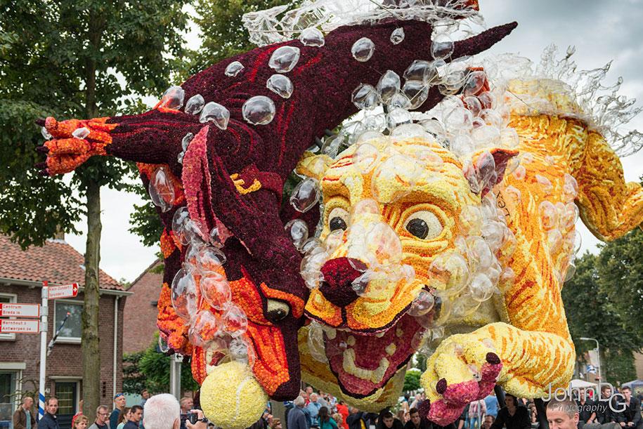 giant-flower-sculpture-parade-corso-zundert-2016-netherlands-26
