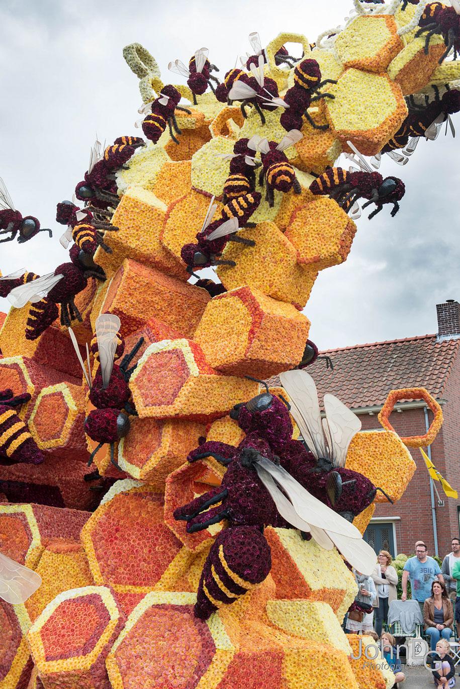 giant-flower-sculpture-parade-corso-zundert-2016-netherlands-32