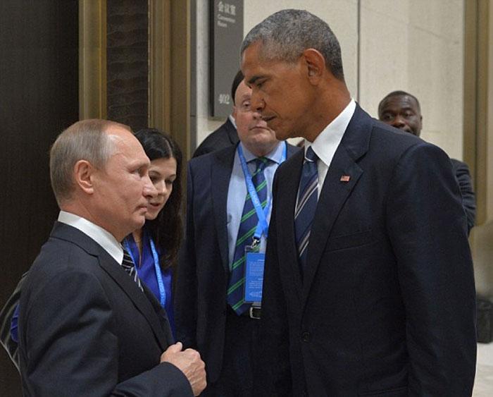 obama-putin-death-stare-photoshop-battle-troll-11