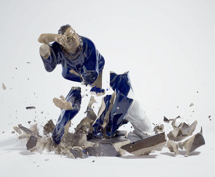 shattered-porcelain-dolls-fight-martin-klimas-6