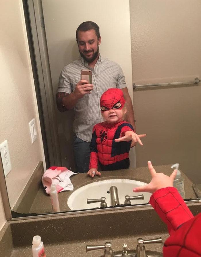 3-year-old-girl-superman-costume-school-photo-kaylieann-steinbach-3