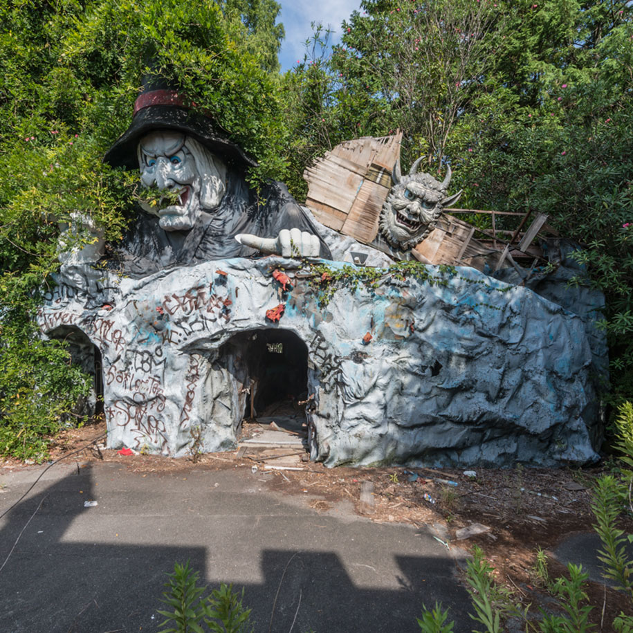 abandoned-theme-park-nara-dreamland-japan-romain-veillon-17