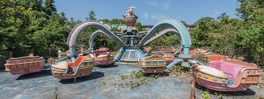 abandoned-theme-park-nara-dreamland-japan-romain-veillon-3