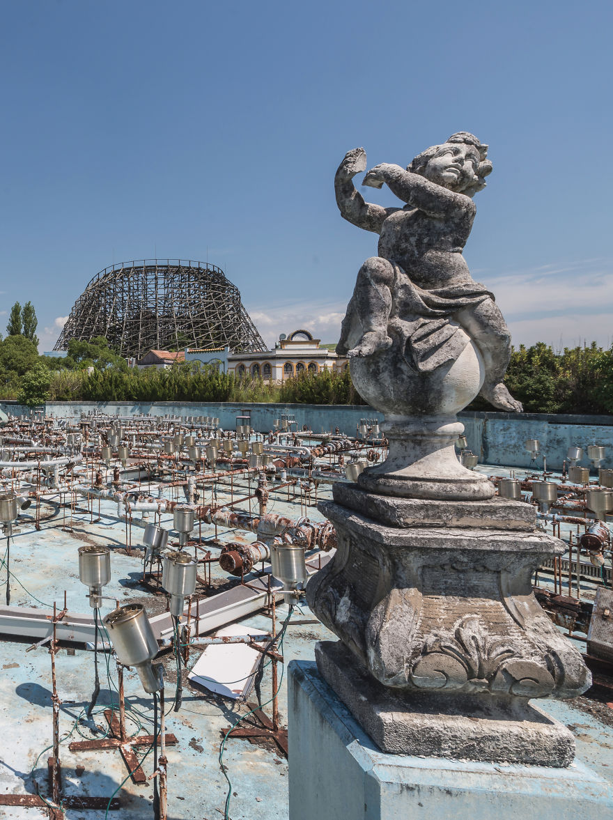 abandoned-theme-park-nara-dreamland-japan-romain-veillon-31