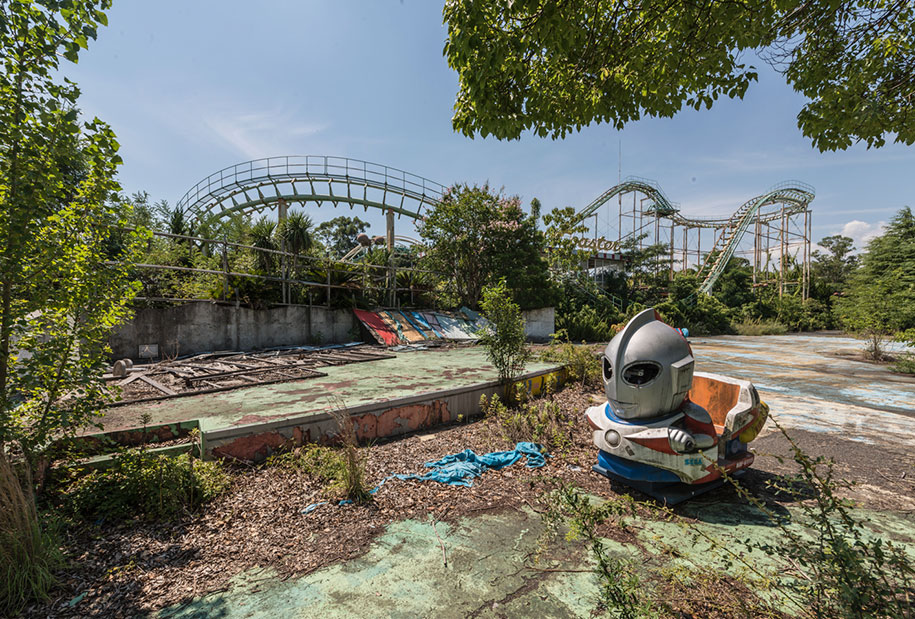 abandoned-theme-park-nara-dreamland-japan-romain-veillon-7