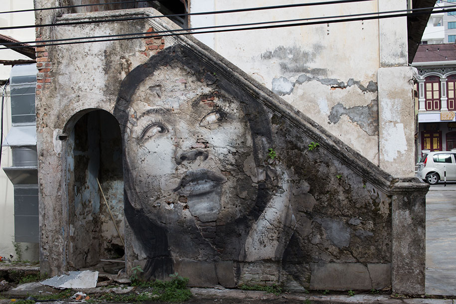 intimate-portraits-abandoned-houses-street-art-empty-rone-25