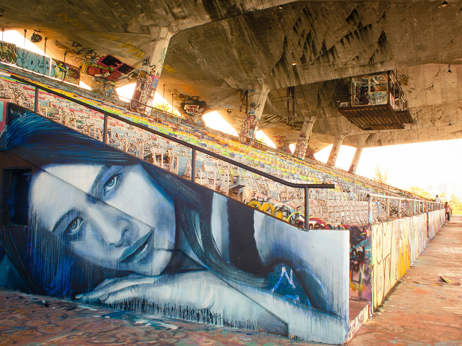 intimate-portraits-abandoned-houses-street-art-empty-rone-59