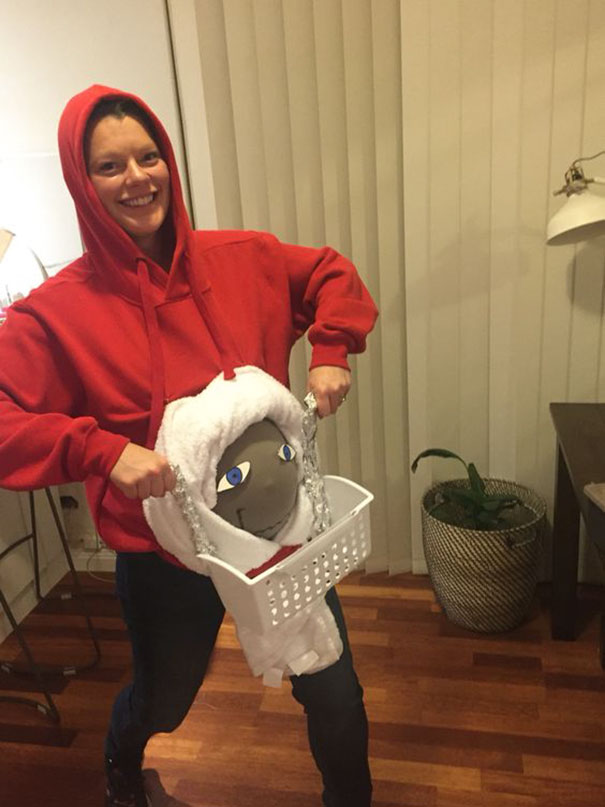 pregnancy-halloween-costume-ideas-14