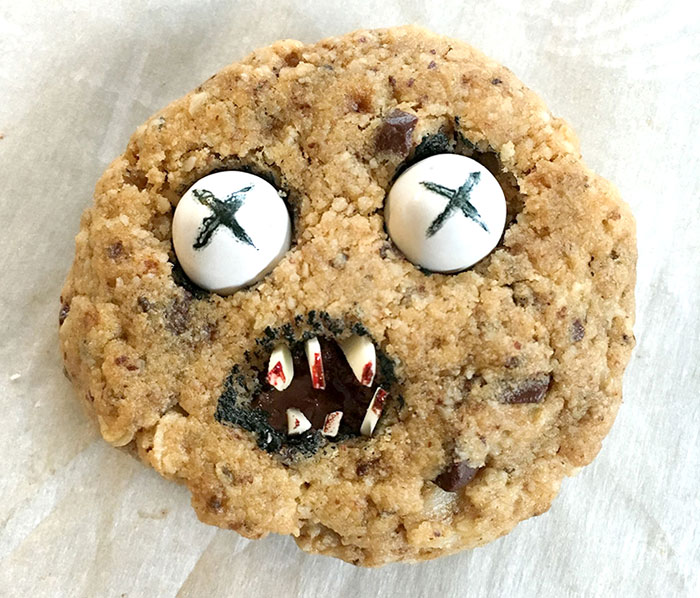 scary-cookies-halloween-jennifer-wold-4