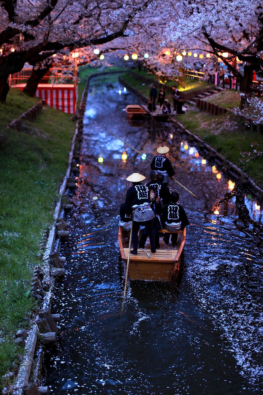 unique-japan-street-photography-2