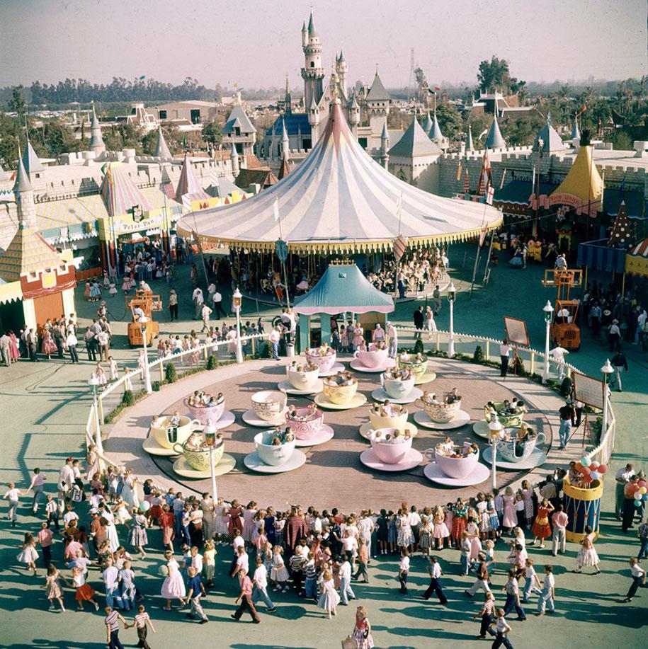 disneyland-opening-day-1955-19