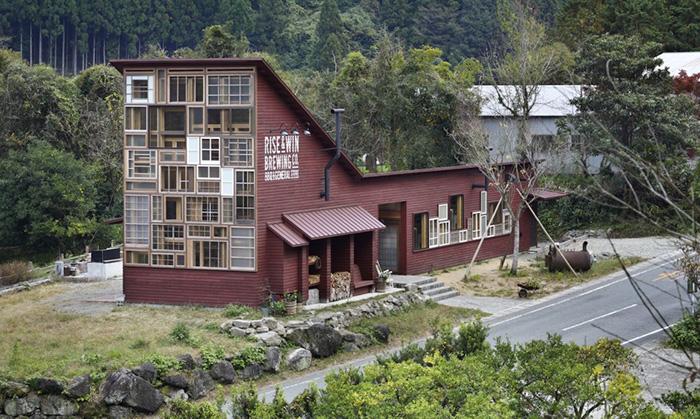 zero-waste-recycled-kamikatz-public-house-japan-13