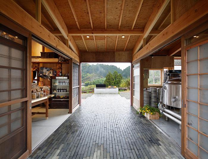 zero-waste-recycled-kamikatz-public-house-japan-6