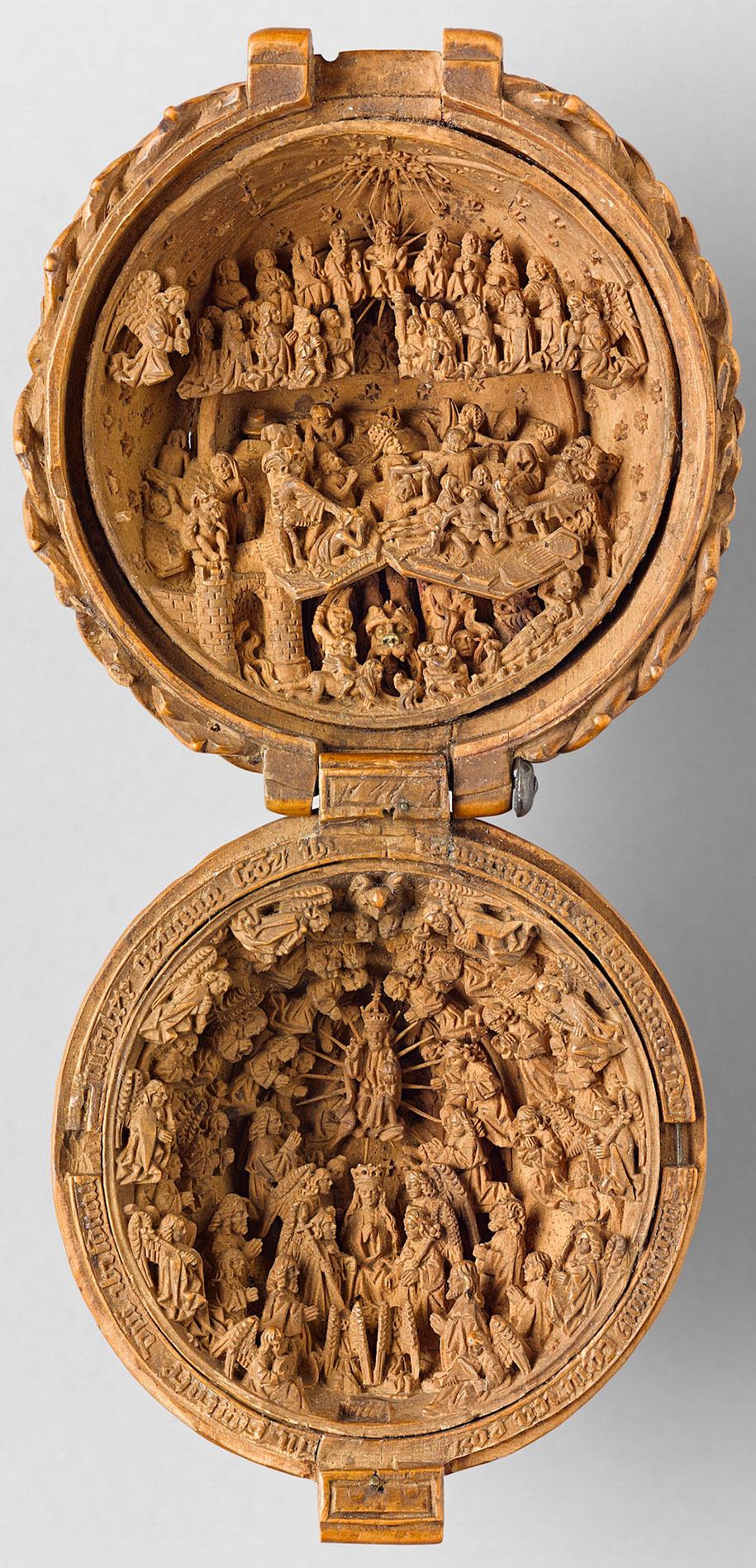 miniature-boxwood-carvings-16th-century-2