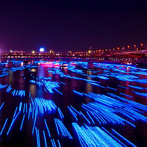 100,000 LED Balls Floating Down a River in Japan