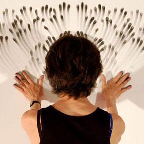 http://www.demilked.com/magazine/wp-content/uploads/2012/06/finger-paintings-judith-ann-braun-thumb290.jpg