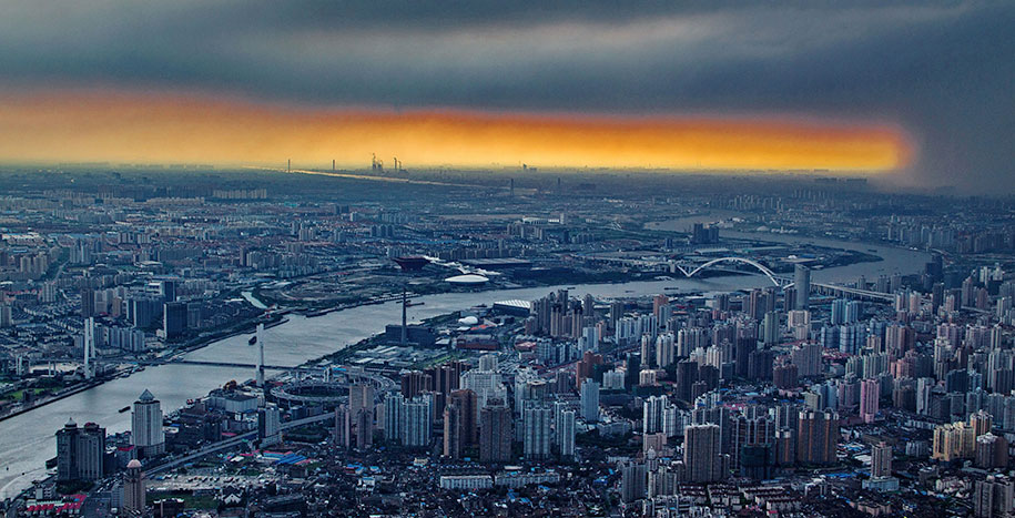 Burj Khalifa Height >> Crane Operator Captures Stunning Pictures of Shanghai From 2,000 Ft High