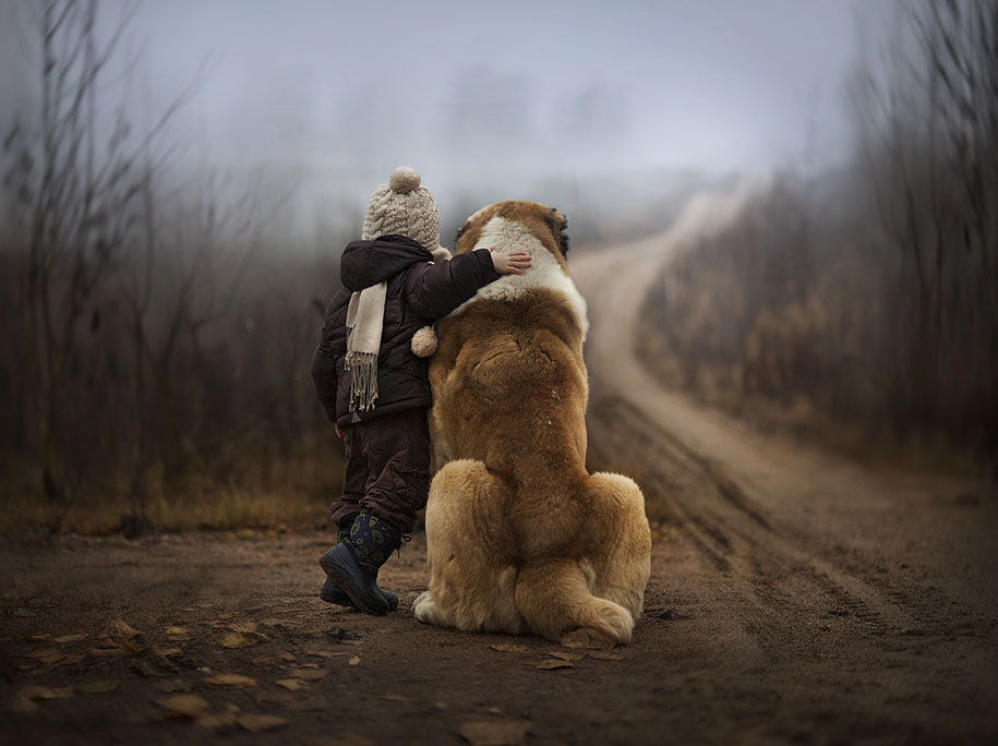 Mother Photographs Her Kids and Animals In Beautiful ...