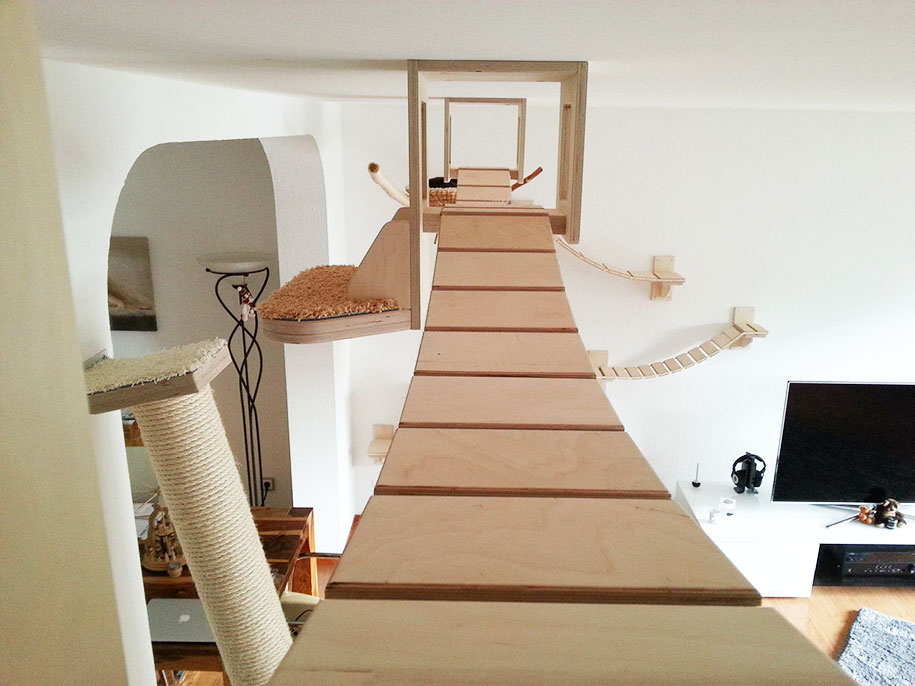 Rooms Turned Into Cat Playgrounds by Goldtatze | DeMilked