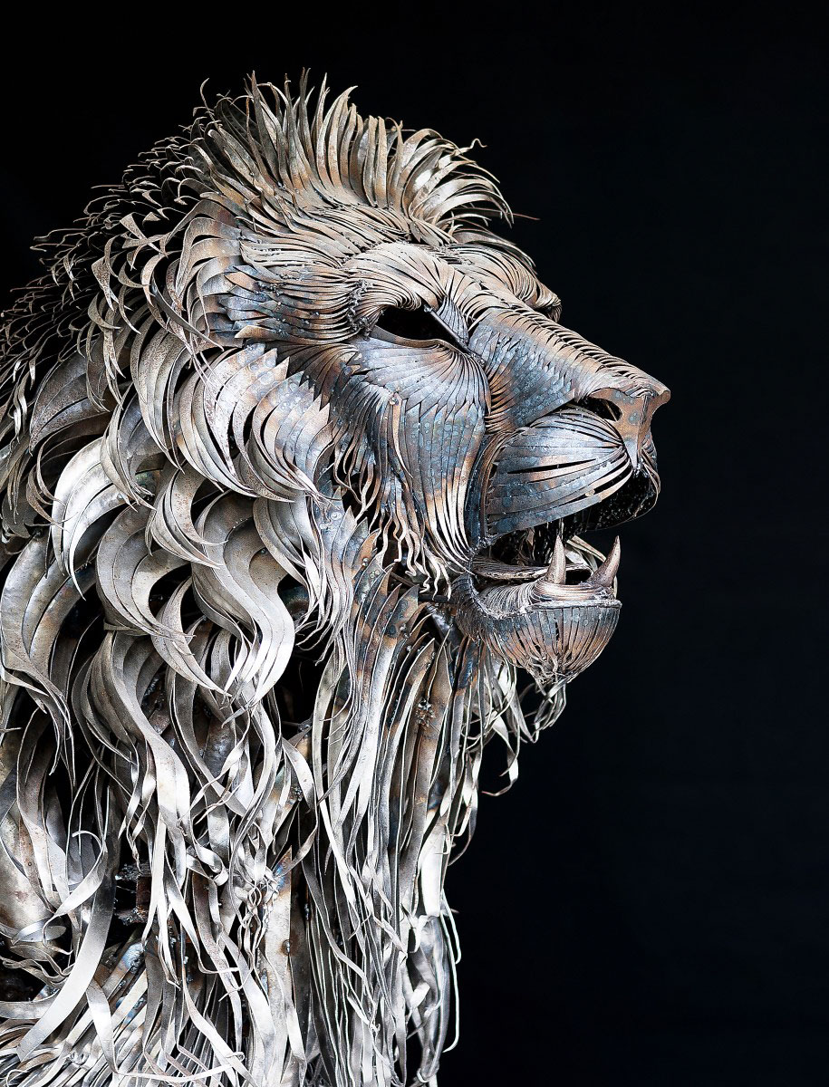 Spine chilling lion sculpture made of pieces