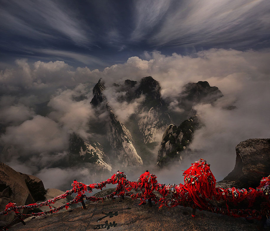 breathtaking photos of asian landscapes and people by weerapong chaipuck