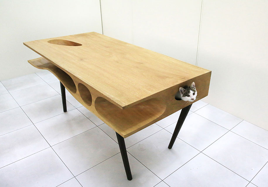 CATable Shared Table Lets Cats Have All The Fun While Their Humans Work
