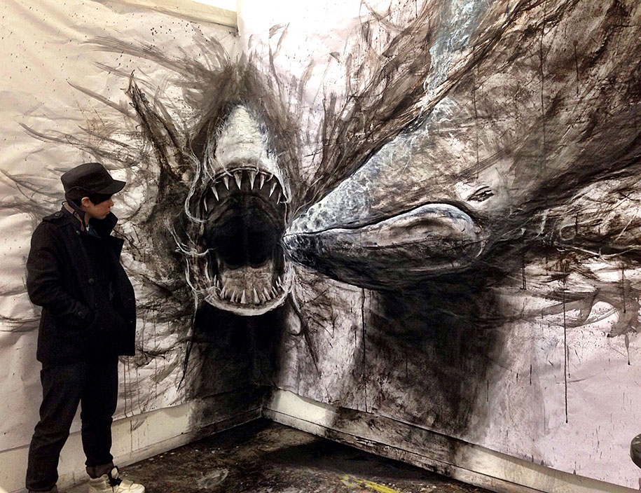 These Dark 3d Drawings Pop Out Of Paper As Life Sized Animals