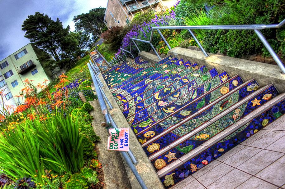 Картины и картинки - Страница 7 Creative-beautiful-steps-stairs-street-art-11